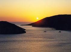 ΚΥΘΝΟΣ - ΗΛΙΟΒΑΣΙΛΕΜΑ Greek Islands, Greece, Tourism, Country, World, Night, Beach, Places, Water