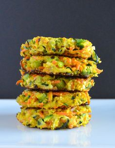 These pan-fried vegetable fritters are a healthy and colorful way to spice up your weeknight meals. Zucchini Patties, Zucchini Fritters, Corn Fritters, April Recipe, Cooking Recipes, Healthy Recipes, Veggie Recipes, Drink Recipes, Cooking Tips