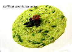 Correte a comprare un bel mazzetto di asparagi e un pezzetto di zenzero, perché dovete assolutamente fare questo risotto, semplicissimo ma gustoso. E bello, con questo punto di verde incredibile. I…