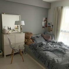 Room Design Bedroom, Room Ideas Bedroom, Bedroom Decor, Minimalist Room, Aesthetic Room Decor, Cozy Room, Home And Deco, Dream Rooms, House Rooms