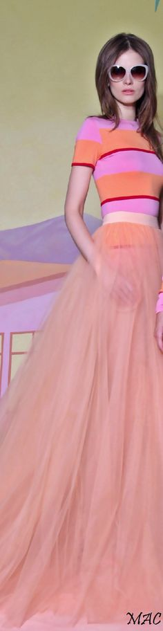 Resort 2016 Christian Siriano Orange Fashion, Pink Fashion, Classic Fashion, Women's Fashion, Fashion Trends, Haute Couture Gowns, Different Shades Of Pink, Couture Accessories, Coral