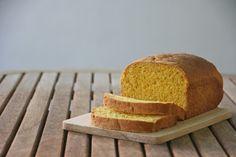 Pan de molde de calabaza Cornbread, Ethnic Recipes, Food, Bonbon, Pumpkins, Pebble Stone, Pie, Millet Bread, Meals