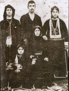 Traditional costumes from the village of Santa (now named Dumanlı; near Yağmurdere, in the Gümüşhane province), Rum (Anatolian Greek) from the Pontos region, early century. Caucasian Race, Old Greek, Greek History, Folk Dance, Photographs Of People, Greek Clothing, In Ancient Times, Black Sea, Traditional Outfits