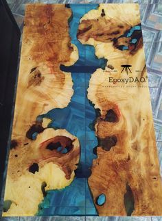 Rustic wooden tabel, Epoxy table Excited to share this item from my shop: Maple epoxy table, Epoxy river table. Diy Resin Wood Table, Epoxy Table Top, Epoxy Resin Table, Diy Table, Resin And Wood Diy, Rustic Coffee Tables, Rustic Table, Resin Crafts, Resin Art