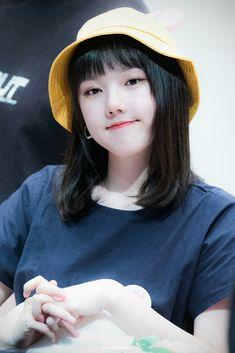 Kpop Girl Groups, Korean Girl Groups, Kpop Girls, Extended Play, Girlfriend Kpop, Korean Beauty Girls, G Friend, Music Photo, Sabrina Carpenter