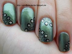 Ash-Lilly's Lacquer Lust: Maybelline 'Khaki Green'