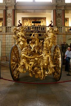 Embassy Coach of Pope Clement XI - Museu Nacional dos Coches - Lisbon