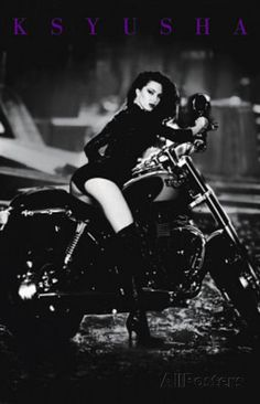 John Dietrich Ksyusha on Motorcycle Sexy Bike Pin-Up Photo Print Poster Posters na AllPosters.com.br