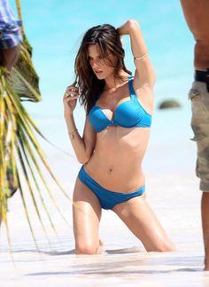 Alessandra Ambrosio - Full Size - Page 13