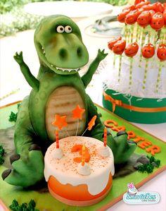 Look at the cake pops! Dinosaur Cake Pops, Dino Cake, Dinosaur Birthday Cakes, 3rd Birthday, Dinosaur Dinosaur, Birthday Ideas, Dinasour Cake, T Rex Cake, Mini Tortillas