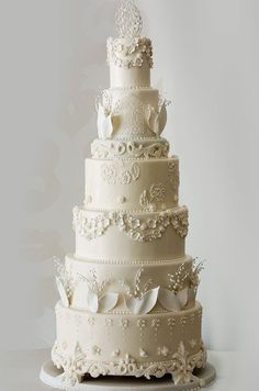 ♥Glamorous white wedding cake with all the pretty layers and flowers
