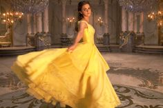 Bela (Emma Watson)