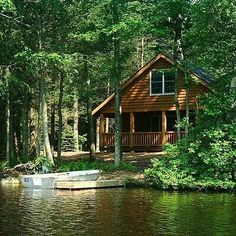 Stop searching for the perfect Poconos Cabin Rentals. We have some of the best Mountain Springs Lake Cabin rentals in Poconos Pennsylvania. Mountain Cabin Rentals, Lake Cabins, Cabins And Cottages, Lakeside Cabin, Mountain Cabins, Lakeside Living, Cottage Shabby Chic, Lake Cottage, Forest Cottage