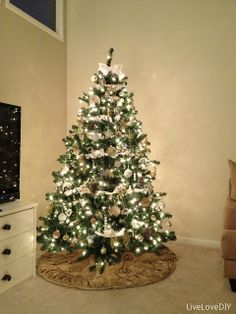 How to decorate a tree beautifully and on a budget from livelovediy