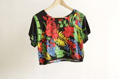 90s HAWAIIAN crop top melrose place era shirt