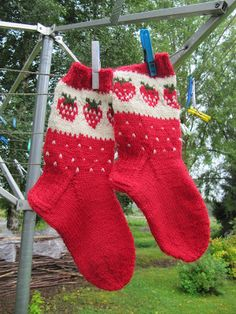 Children's alpaca wool socks K Strawberry Farm, Strawberry Patch, Wool Socks, Knitting Socks, Kids Socks, Designer Socks, Knitting For Kids, Winter Accessories, Knitting Patterns Free