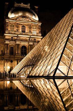 Mirroring in the Louvre,Paris City Aesthetic, Travel Aesthetic, Parcs Paris, Places Around The World, Around The Worlds, Places To Travel, Places To Visit, Paris Wallpaper, Paris Travel
