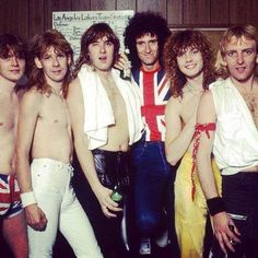 SnapWidget | #TBT #DefLeppard and #Queen's Brian May at the Los Angeles Forum in 1983 #Pyromania