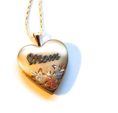 Vintage Gold Filled Heart Locket Necklace by MidwestAtticTreasure, $58.00
