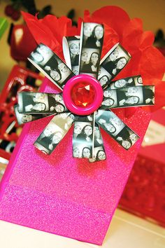 Photostrip bow - such a fun idea