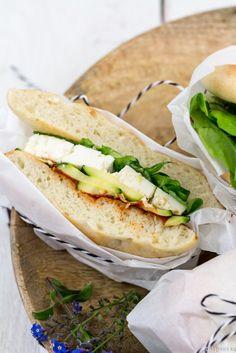 Werbung Zweierlei Sandwiches und ein tolles Gewinnspiel mit REWE Das Gute am Essengehen ist nicht