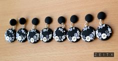 polymer clay black and white earrings Diy Earrings, Polymer Clay Earrings, Earrings Handmade, Polymer Clay Embroidery, Polymer Clay Crafts, Black And White Earrings, Biscuit, White Clay, Clay Tutorials
