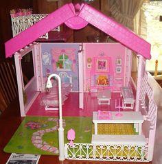 Barbie Fold 'n Fun House by Mattel, 1992