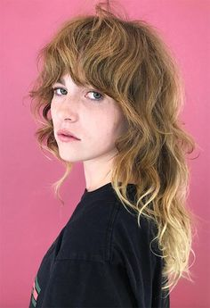 Shag haircuts are the cool-girl low-maintenance hairstyle options that the have presented us with, and we love seeing the style revive in the modern beauty scene. Modern Shag Haircut, Long Shag Haircut, Short Shag Hairstyles, Easy Hairstyles, Anime Hairstyles, Stylish Hairstyles, Hairstyles Videos, School Hairstyles, Layered Haircuts