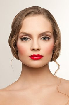 gorgeous classy makeup - look at that contour/blush!