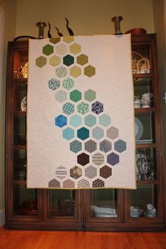 Shiner's view ...: Sometimes it takes a community to make a quilt ...