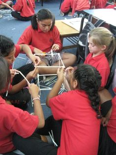 Gloria @ Pt England School: Straw Tower