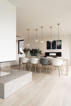 Minimalist Interior, Minimalist Home, Modern Interior, Home Design Decor, Interior Design Living Room, Interior Decorating, Home Decor, Wood Floor Design, Kitchen Table Chairs