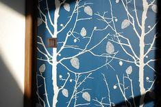 <p>襖に北欧柄の壁紙。意外な組み合わせに見えて、実は好相性。</p>