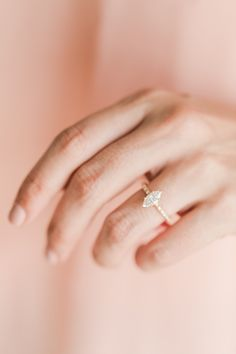 [ad] Press for beautiful, intricate, delicate engagement rings from James Allen.