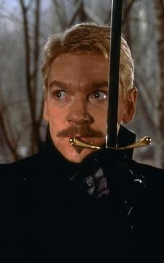 Branagh's Hamlet<< i know he is supposwed to be Hamlet, but all i see is Gilderoy Lockhart!