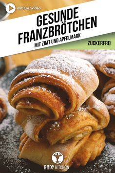Dinkel Franzbrötchen – Fitness-Rezept von BODY KITCHEN Franzbrötchen are a Hamburg specialty with lots of cinnamon, sugar and butter. We have made them fit for fitness and enjoy the little rolls without a guilty conscience! Desserts Végétaliens, Dessert Recipes, Best Tuna Salad Recipe, Bon Dessert, Vegetarian Recipes, Healthy Recipes, Salud Natural, Evening Meals, Food Items