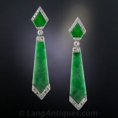Art Deco Style Natural Burmese Jadeite and Diamond Earrings - Chic, sleek, sophisticated Art Deco style drop earrings, hand-fabricated in platinum and white gold - Anel Art Deco, Art Deco Earrings, Art Deco Ring, Art Deco Jewelry, Fine Jewelry, Drop Earrings, Diamond Earrings, Body Jewelry, Jade Earrings