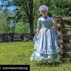 #lookingcutefeelingcute #sunnydayinmay #colonial #18thcentury #reenacting #handmade #handsewn #dress #gown #silk #Repost @colonialwmsburg with @repostapp. ・・・ Can it be? Why, yes! Friends, that is indeed the sun! And tomorrow is supposed to be rain-free. | SnapWidget
