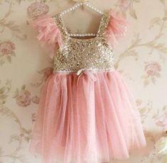 One of our favorites ! The gorgeous princess tutu dress. Available for ages 1-2yo, 2-3yo, 3-4yo,4-5yo and 5-6yo  Shop now!