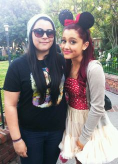 cute Minnie Mouse costume with everyday clothes Ariana Grande Outfits, Ariana Grande Pictures, Minnie Mouse Halloween, Minnie Mouse Costume, Fashion Idol, Alternative Hair, Edgy Look, Celebs, Celebrities