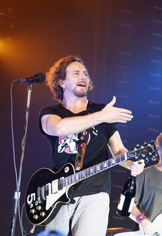 Ed and Jeff Nineties Music, Pearl Jam Eddie Vedder, 1st Wedding Anniversary, Best Fan, My Church, Cool Bands, Soundtrack, Rock N Roll, Blues