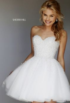 White homecoming dress with pearls, short prom dress, graduation party dresses, formal dress White Homecoming Dresses Short, Formal Dresses For Teens, Best Prom Dresses, Prom Party Dresses, Party Gowns, Evening Dresses, Short Prom, Dress Party, Graduation Dresses