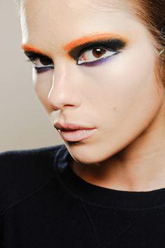 the eye makeup at Prada by Pat McGrath was so Japanese-cartoon-cool. via Laura Stilero via makeup artist Make Up Art, Eye Make Up, How To Make, Love Makeup, Beauty Makeup, Hair Makeup, Make Up Looks, Makeup Trends, Makeup Ideas