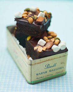 Rocky Road Brownies, Stockholm, Cookie Brownie Bars, Good Foods To Eat, Amai, How To Make Cookies, Delicious Chocolate, Brownie Recipes, Mini Cakes