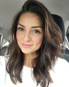 Layered brown hair | medium brown hair | medium length hair | neutral brown hair | fall hair style | natural makeup | Monat | Monat hair | Monat Global
