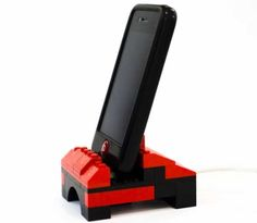 Cool DIY Ideas for Your iPhone iPad Tablets & Phones | Fun Projects for Chargers, Cases and Headphones | iPhone LEGO Dock | http://diyprojectsforteens.com/diy-projects-iphone-ipad-phone/