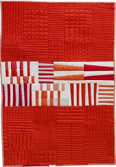 Totem quilt by Carolyn Friedlander. Another cute quick quilt Quilting Projects, Quilting Designs, Quilting Patterns, Loom Patterns, Mini Quilts, Baby Quilts, Quilt Modernen, Two Color Quilts, Red And White Quilts