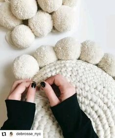 Easy crochet pillow pattern with pom poms uses single crochet and continuous rounds pattern includes photo + video tutorials features wool and the gang + lion brand yarn all patterns are buy 2 get 1 free happy making! xx awesome amazing tips tutorial diy Crochet Simple, Crochet Diy, Crochet Crafts, Yarn Crafts, Crochet Projects, Crafts With Wool, Crochet For Baby, Diy Crochet Pillow, Knit Pillow