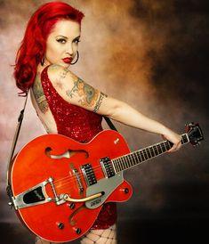 Rockabilly Guitar, Rockabilly Pin Up, Rockabilly Fashion, Guitar Girl, Music Guitar, Cool Guitar, Guitar Room, Guitar Chords, Jeane Manson