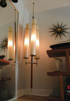 monumental mid-century Laurel pole lamp